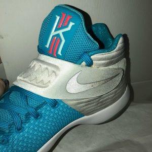 """Nike Shoes - Nike Kyrie 2 """"Christmas"""", Size 11"""